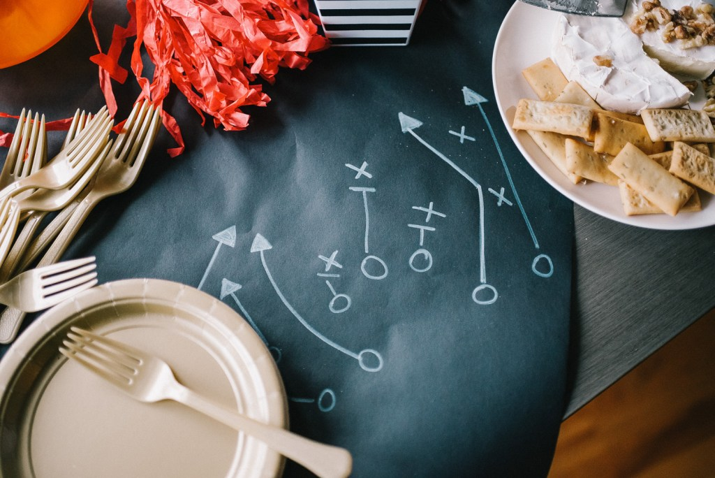 Blogger Sportsanista sharing how to host a Super Bowl Party