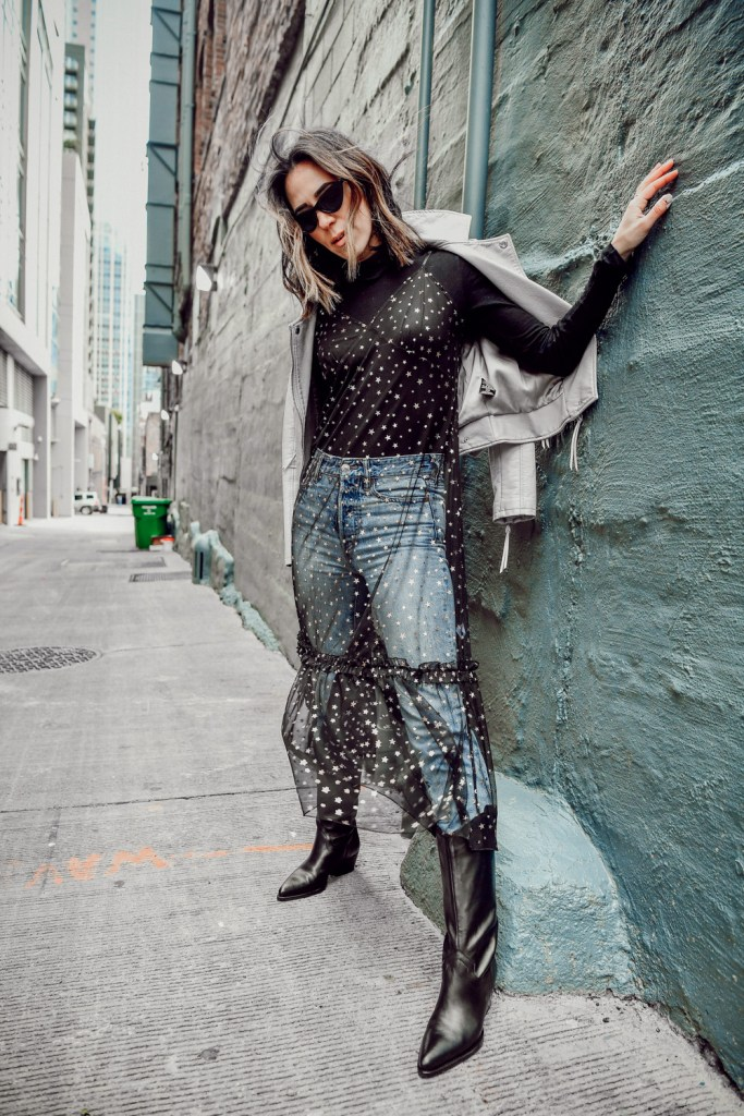 Blogger Sportsanista wearing Everlane The Pima Micro Rib Turtleneck and Schutz Women's Fantinne Pointed Toe Leather Western Boots