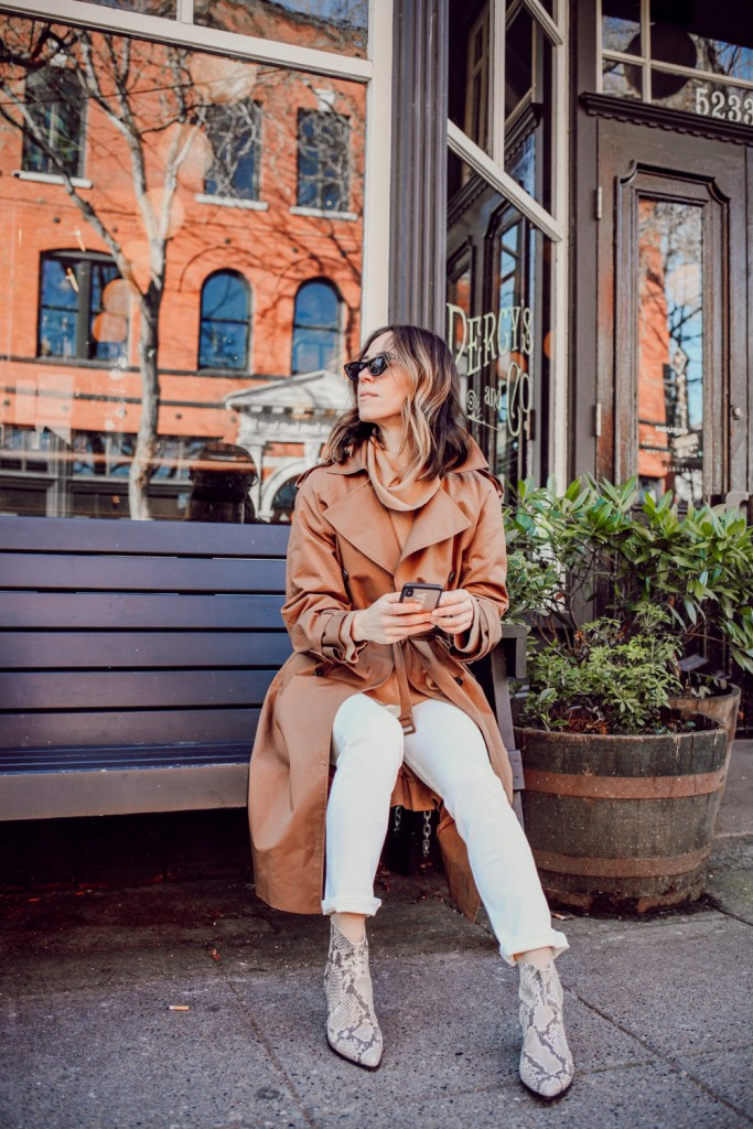Seattle Fashion Blogger wearing H&M Skinny High Ankle Denim and Steve Madden Women's Café Western Boot