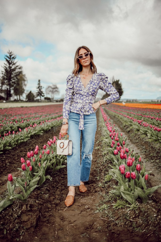 Seattle Fashion Blogger Sportsanista wearing ASTR Puff Sleeve Floral Wrap Top and Levi's Ribcage Jean