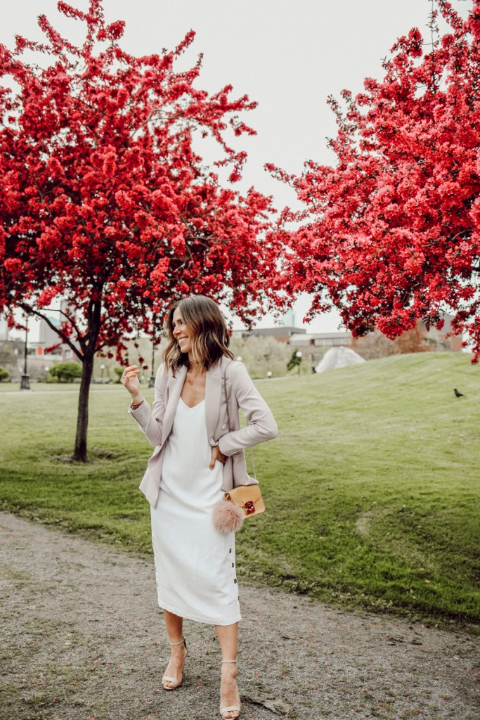 Seattle Fashion Blogger Sportsanista wearing Everlane The Japanese GoWeave Long Slip Dress and Lilac Blazer