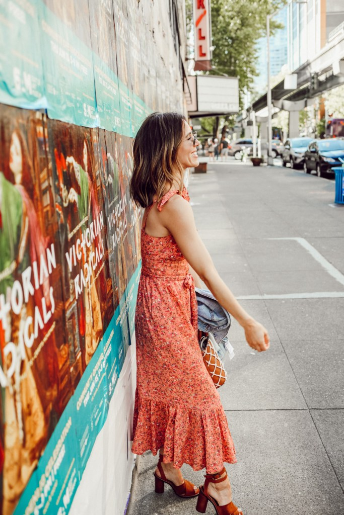 Seattle Fashion Blogger Sportsanista sharing the best summer floral dress from J.Crew