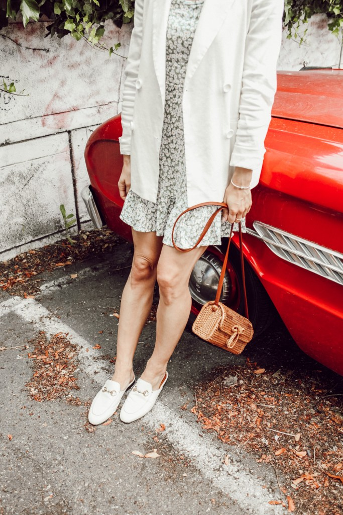 Seattle Fashion Blogger Sportsanista sharing how to style a blazer during summer