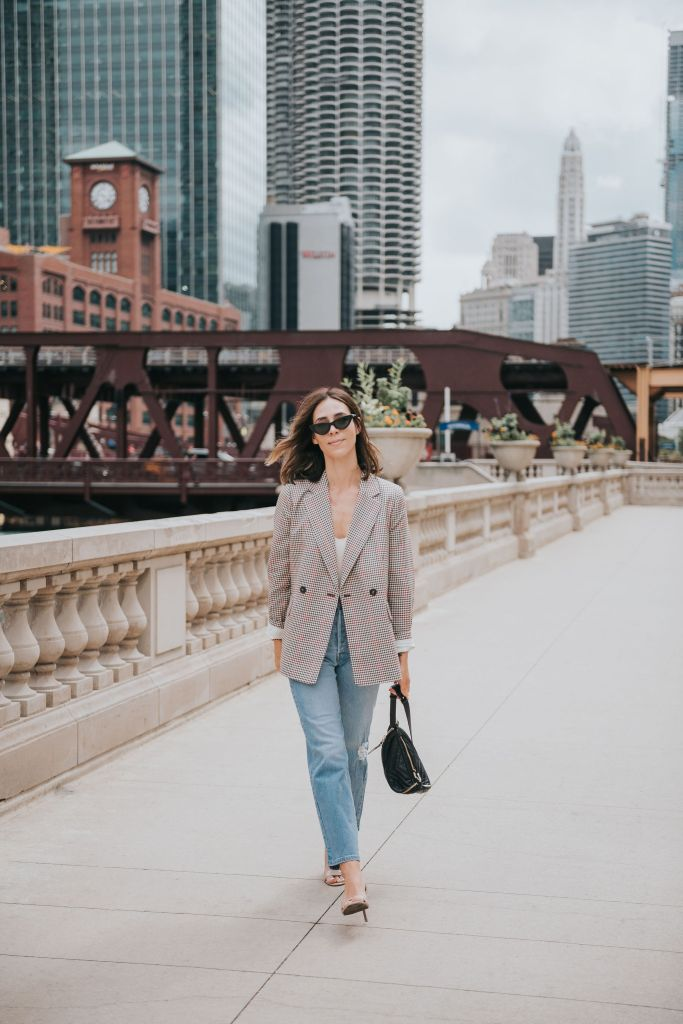 Seattle Blogger Sportsanista wearing the perfect fall plaid blazer and high waisted denim for fall look