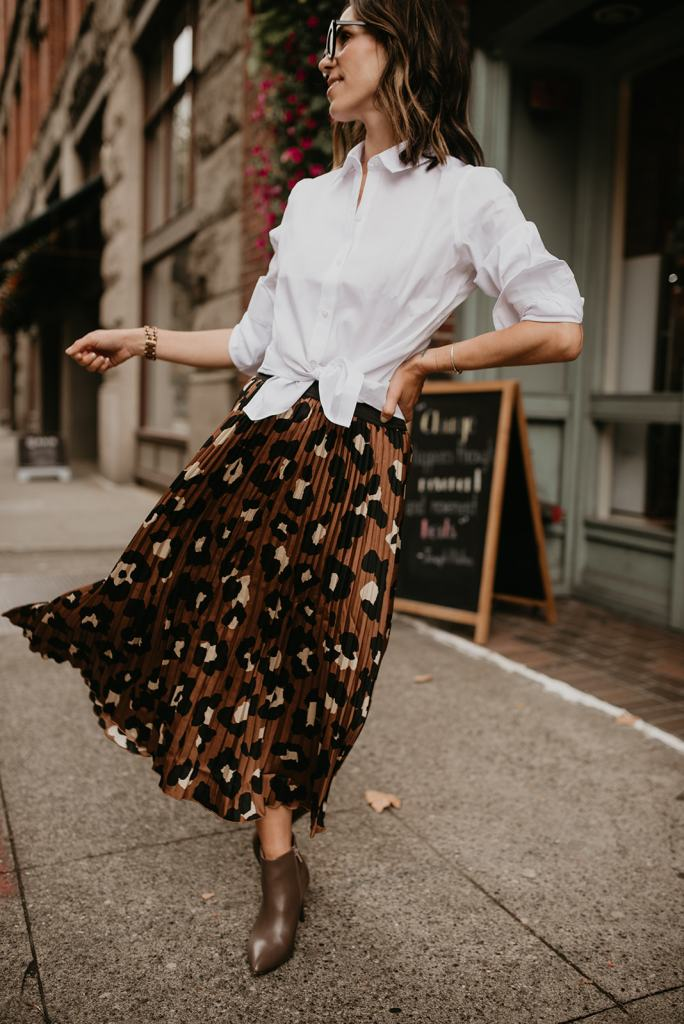 how to style a leopard pleated skirt for work