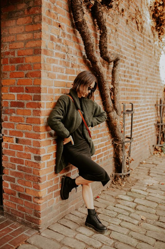 Seattle Blogger Sportsanista wearing the best Teddy Coat Under $100 for Fall