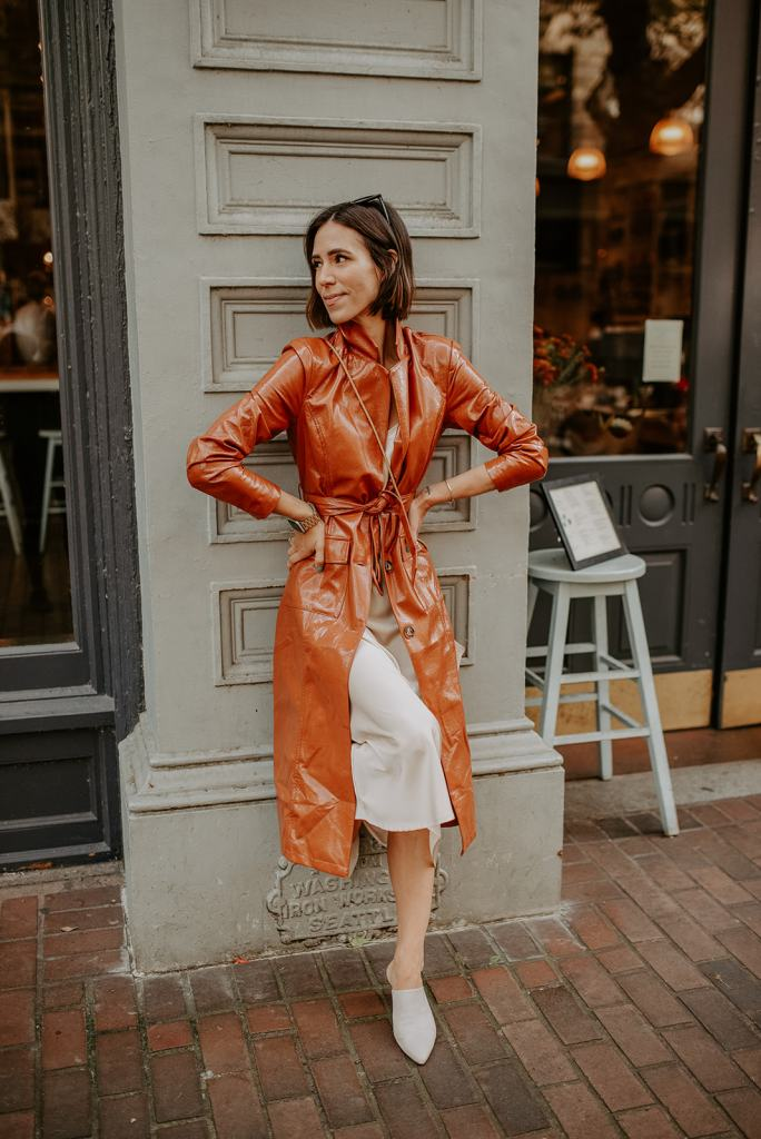Blogger Mary Krosnjar sharing how to style a slip dress for fall