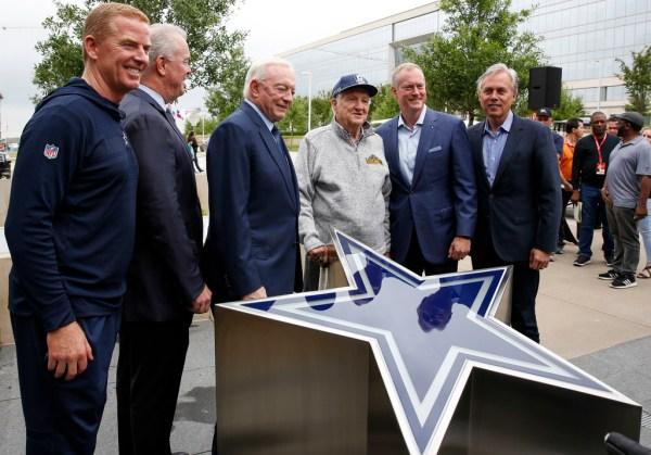 7a11da29 Gil Brandt Wikipedia Dallas Cowboys Executive Gil Brandt