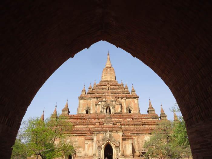 htilominlo temple1
