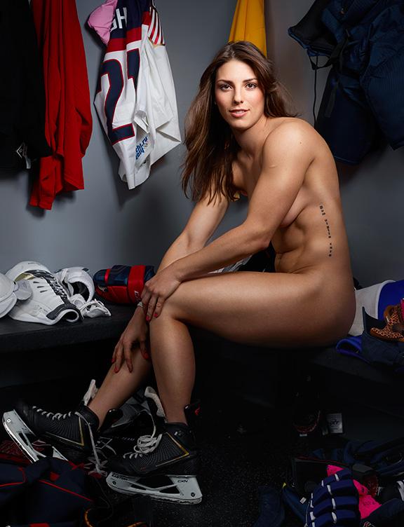 Hillary Knight, jugadora de hockey Estadounidense.