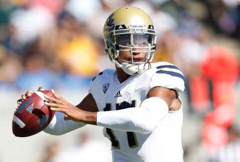 Brett Hundley had 424 yards of total offense to UCLA (Thearon W. Henderson/Getty Images)
