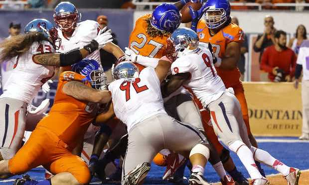 Boise State Holds Off Stubborn Fresno State 37-27