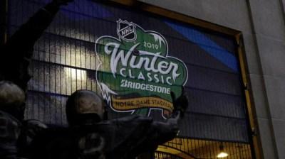 d6620df03 NHL 2019 Winter Classic  Bruins vs. Blackhawks score