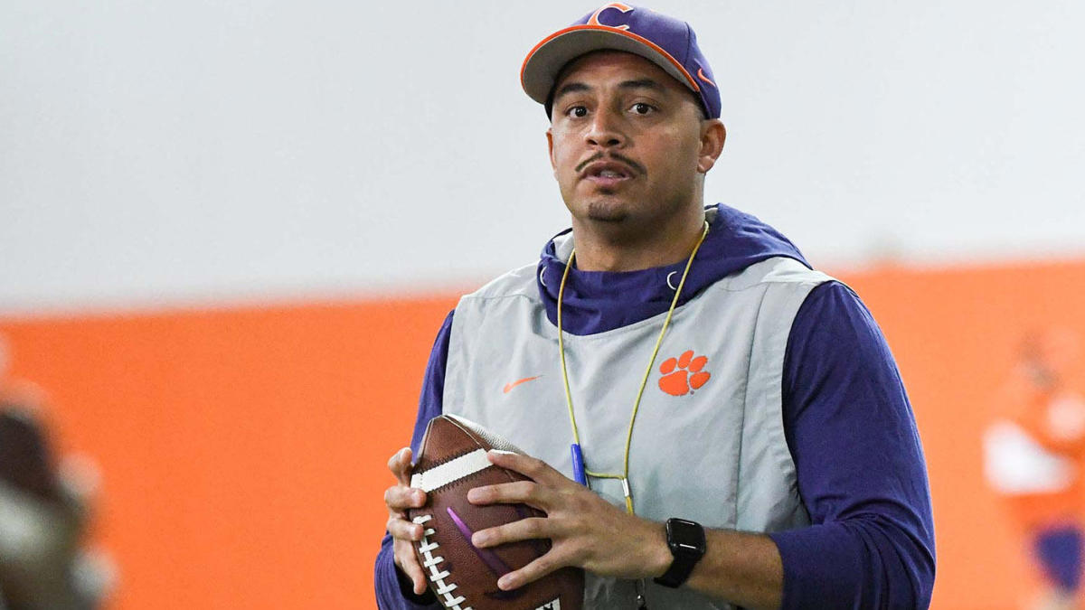 Clemson OC Tony Elliott to miss College Football Playoff semifinal game after testing positive for COVID-19