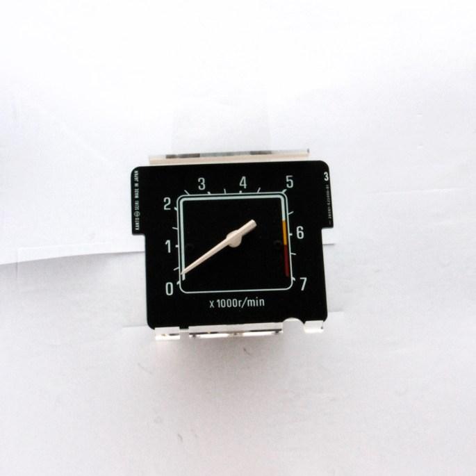 720 Tachometer Image