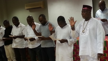 Decland and new leaders take oath of office2