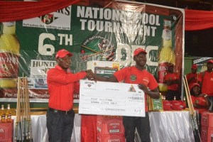 Abdulah Muqeet receives cheque for a whooping GH5,000