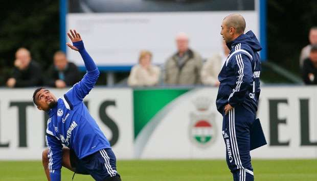 Kevin-Prince Boateng trains as Schalke boss, Roberto Di Matteo watches on