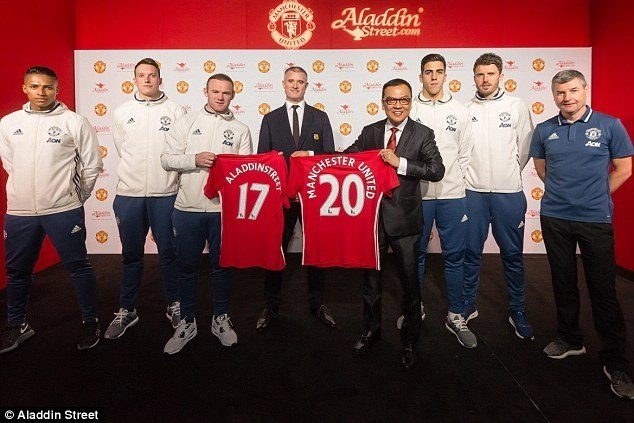 Manchester-United-Man-Utd-Red-Devils-Sponsorships-Partnerships-Brands-AladdinStreet.com_.jpg