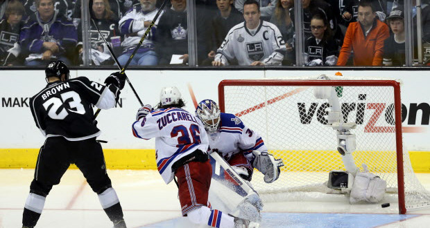 dustin-brown-stanley-cup-2014