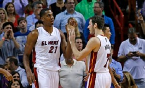 Hassan Whiteside y Goran Dragic