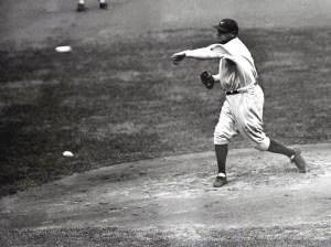 Babe Ruth en la lomita para los Red Sox