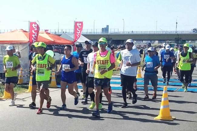 フルマラソン 理想のペース作りをお手伝い 「第4回サンスポ30&10K 淀川記録会」10月27日開催