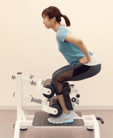 陸上メダリスト・朝原宣治発明のトレーニングマシンを展示会「スポルテック2019」にて初披露。