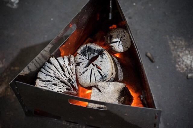 炭職人の作る『本物の木炭』