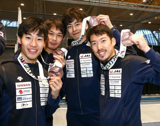 フェンシング男子エペ バンクーバーワールドカップ 団体戦で銅メダル獲得