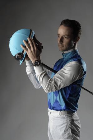 騎手のクリストフ・ルメールが、スイス時計会社「ファーブル・ルーバ」の新アンバサダーに就任