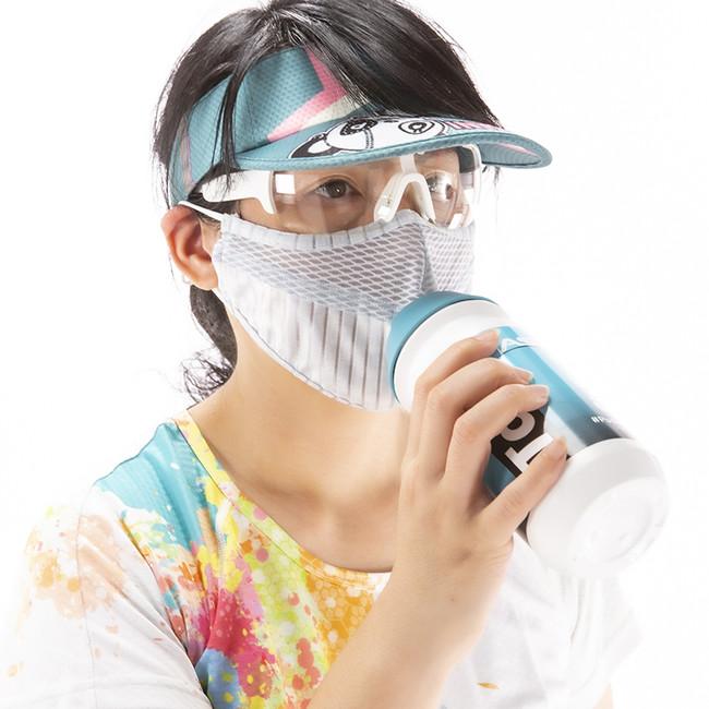 マスクしたまま水を飲んでスポーツするかマスクしたまま電子タバコを吸ってしまうか、あなたはどっち派?