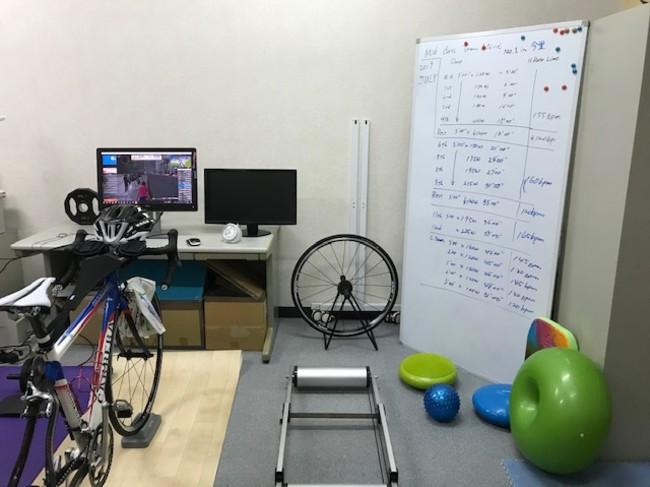 室内でのロードバイクのライディング教室を開始