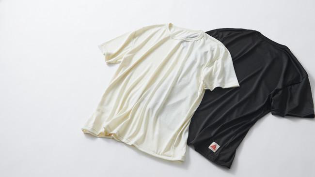 SMOOTH WOOL T-SHIRT(ユニセックス)¥9,900(税込)  17.5ミクロンの極細糸で編んだメリノウールTシャツ。ウールのイメージを覆す滑らかな肌触りが、スポーツシーンでの着心地をお約束します。