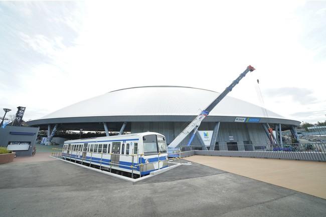 メットライフドーム1塁側の新エリア「トレイン広場」に西武鉄道101系車両(先頭車)の設置が完了