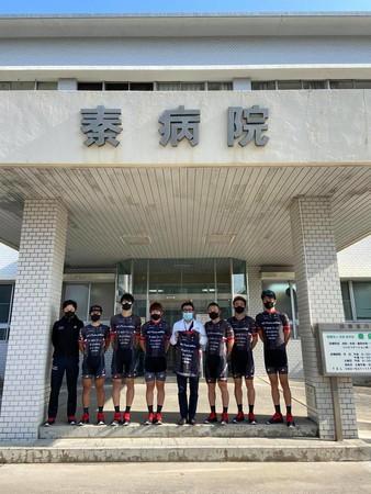 【VC福岡】サイクルロードレース選手が病院を訪問