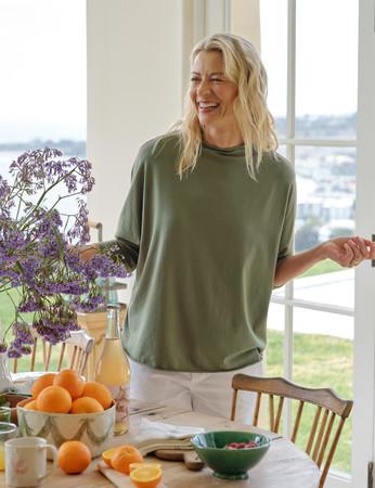 """Frank&Eileenはシャツだけじゃない!大人気「カットソーコレクション」から秋にぴったりのNEWカラー""""カーキ""""が登場"""