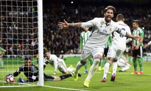 Ramos' decisive goal takes Real Madrid to the top of the table