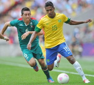 Alex Sandro replaces Marcelo in Brazil team for World Cup qualifier