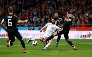 Argentina people blamed Messi for failing game against Spain
