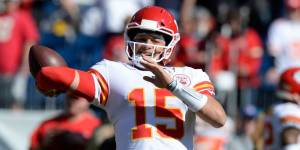 Patrick Mahomes Patella Dislocation Injury