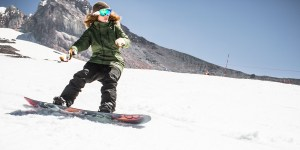 Skiing/Snowboarding: How to have fun and stay safe this season