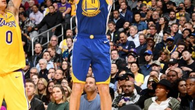 Photo of Klay Thompson sets NBA record with 10 straight made three-pointers to open game
