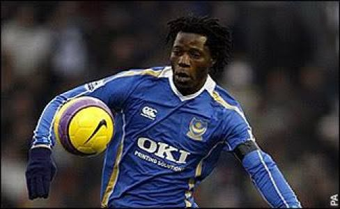 Benjani Mwaruwari in action for Portsmouth