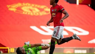 Photo of United 3 Sheffield 0: Martial becomes first United player to score hat-trick since Ferguson as Ole men keep pressure on Chelsea