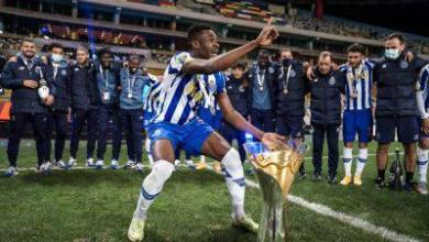 Photo of Sanusi Celebrates Portuguese Super Cup Win With Porto
