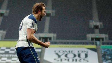 Photo of Kane hits 20-goal landmark for 7th successive season for Spurs