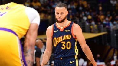 Photo of James comes up clutch as Lakers book passage into NBA playoffs