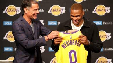 Photo of Westbrook unveiled officially as Lakers player