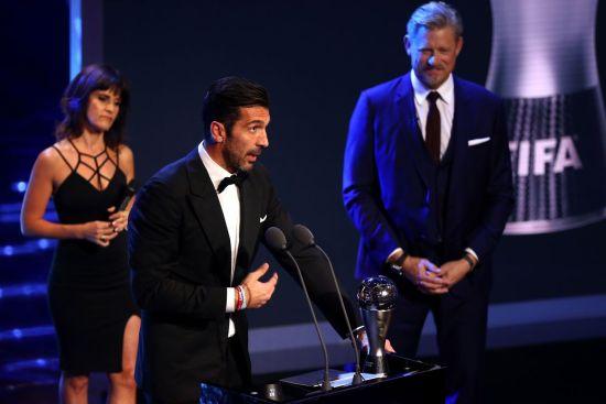 buffon fifa best keeper award 2017
